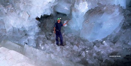 Pictures of Giant Crystal Cave, Naica, Mexico: Naica Mine of giant crystals Estimated to be over 400,000 years old! amazing!