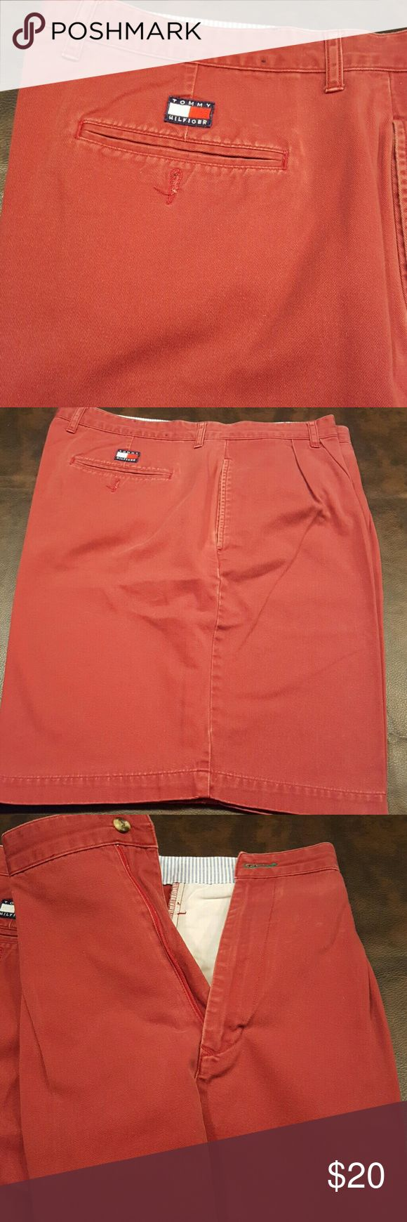 Men's Tommy Hilfiger Red shorts sz 40 EUC pleated zipper front shorts. Professionally cleaned and ready to wear. 9 in inseam.  Sz 40 waist. Tommy Hilfiger Shorts