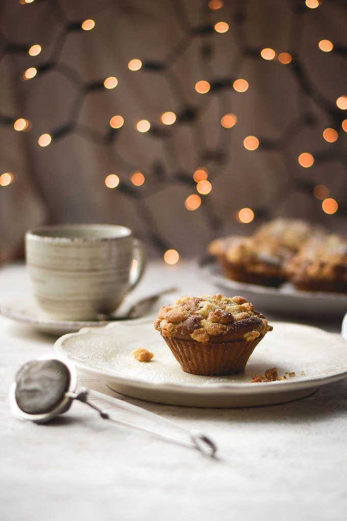 Eggnog Vanilla Bean Streusel Muffins