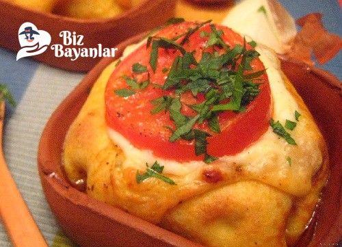 Manisa Kebabı Tarifi Bizbayanlar.com  #Biber, #Domates, #Havuç, #KaşarPeynir, #KuşBaşı, #Muskat, #Sarımsak, #Soğan, #Süy, #Un, #Yumurta,#KebapTarifleri http://bizbayanlar.com/yemek-tarifleri/et-yemekleri/kebap-tarifleri/manisa-kebabi-tarifi/