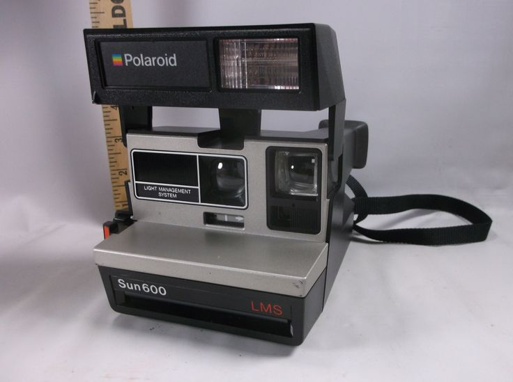 If you are a collector of vintage cameras check out this beauty! It is the Polaroid Camera Sun 600 L M S film (not included) Great looking Sold as is, Untested.