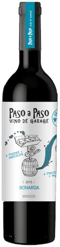 """Paso a Paso"" Bonarda 2015 - Paso a Paso Wines, Mendoza-------------Terroir: El Cepillo (San Carlos)---------------Crianza: 9 meses en barricas de roble francés de 2do. uso"