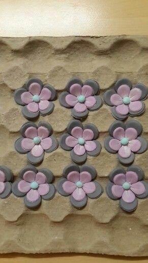 Found flowers for Tatty teddy cupcakes