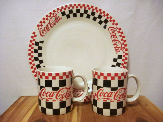 CocaCola Collectors Plate with Matching Mugs by TheOldBrownHouse $25.00 & 147 best 10 (COKE) CROCKERY u0026 CUTLERY images on Pinterest | Coke ...