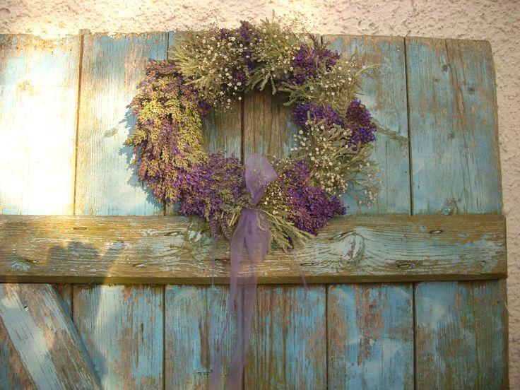 Lavendelkranz mit Schleierkraut und Santolina auf Naturkranz aus Zweigen zu kaufen bei ebay für 37,90 bei deko*de*france