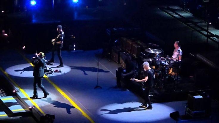 U2  ONE Bercy Paris 11/11/2015 incident au concert de U2 un spectateur m...