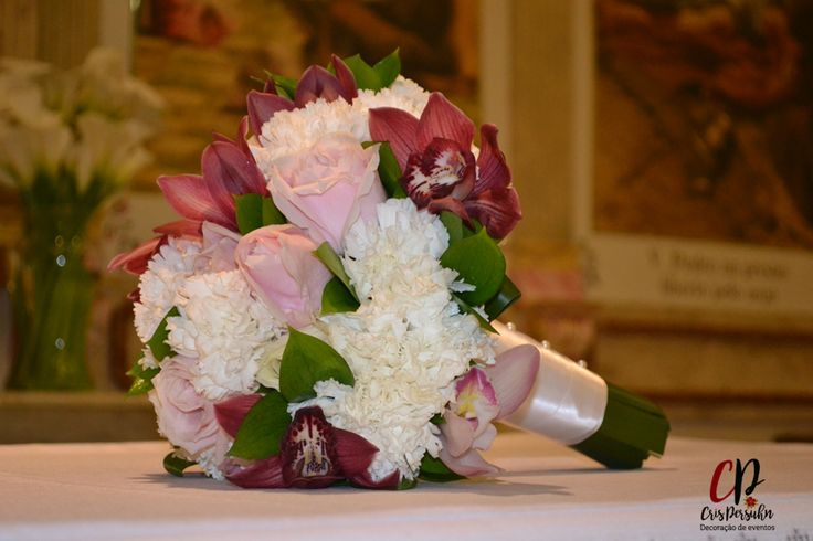 Buquê em tons marsala, rosa e branco