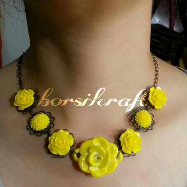 Ceramic beads, yellow flower ceramics, porcelain flower. Flower necklace. etsy.com/shop/borsilcraft  #borsil #borsiljewelry #buttons #rosebeads #beadsdesign #jewelry #handmadeaccesories #jewelryhandmade #etsy #etsyseller #jewelry #shoponline #olshop #uniqueaccesories #preciousstones