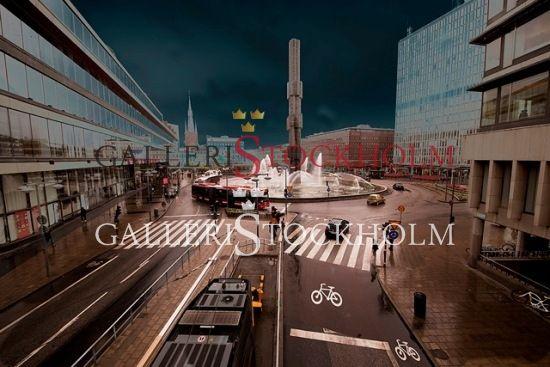 Per Mikaelsson - Sergels Torg - Fotokonst i limiterad upplaga 296 ex numrerade och signerade av fotografen. Finns i fyra olika storlekar  Pris från 4 400 kr Beställ här! Klicka på bilden.