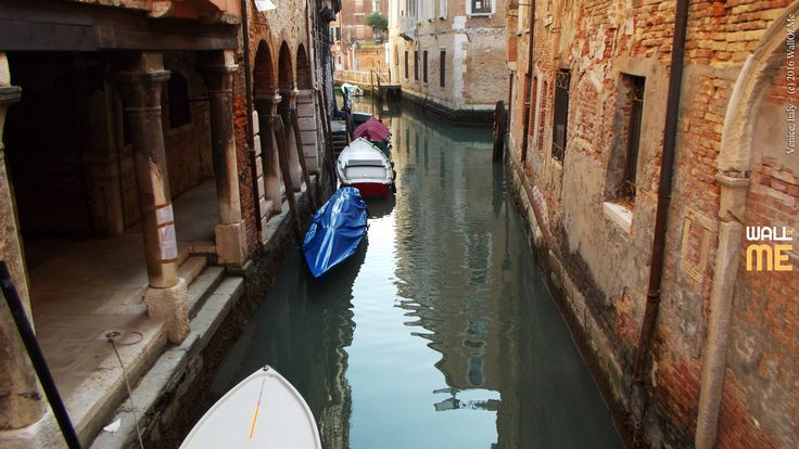 2016, week 45. Channels in Venice, Italy. Picture taken: 2014, 03