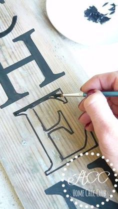 Wie man auf einfache Weise ein Bauernhausschild macht. Einfache DIY Holz Bauernhaus Sign.Make …  – to do