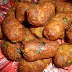 Egy finom Krumplis fasírt fűszeresen ebédre vagy vacsorára? Krumplis fasírt fűszeresen Receptek a Mindmegette.hu Recept gyűjteményében!