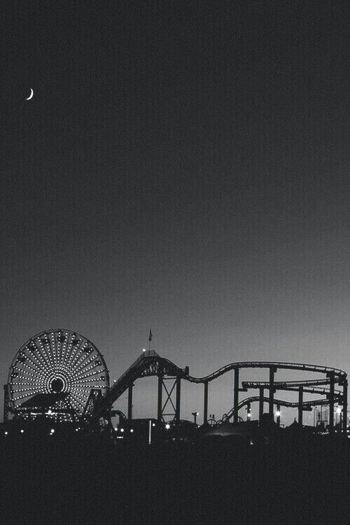Santa Monica - black and white