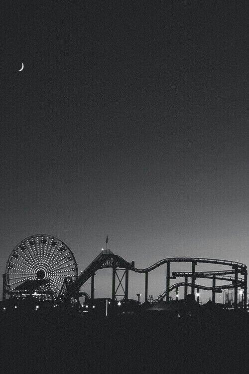 Santa Monica - black and white