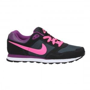Deportivas Nike en negro y fucsia