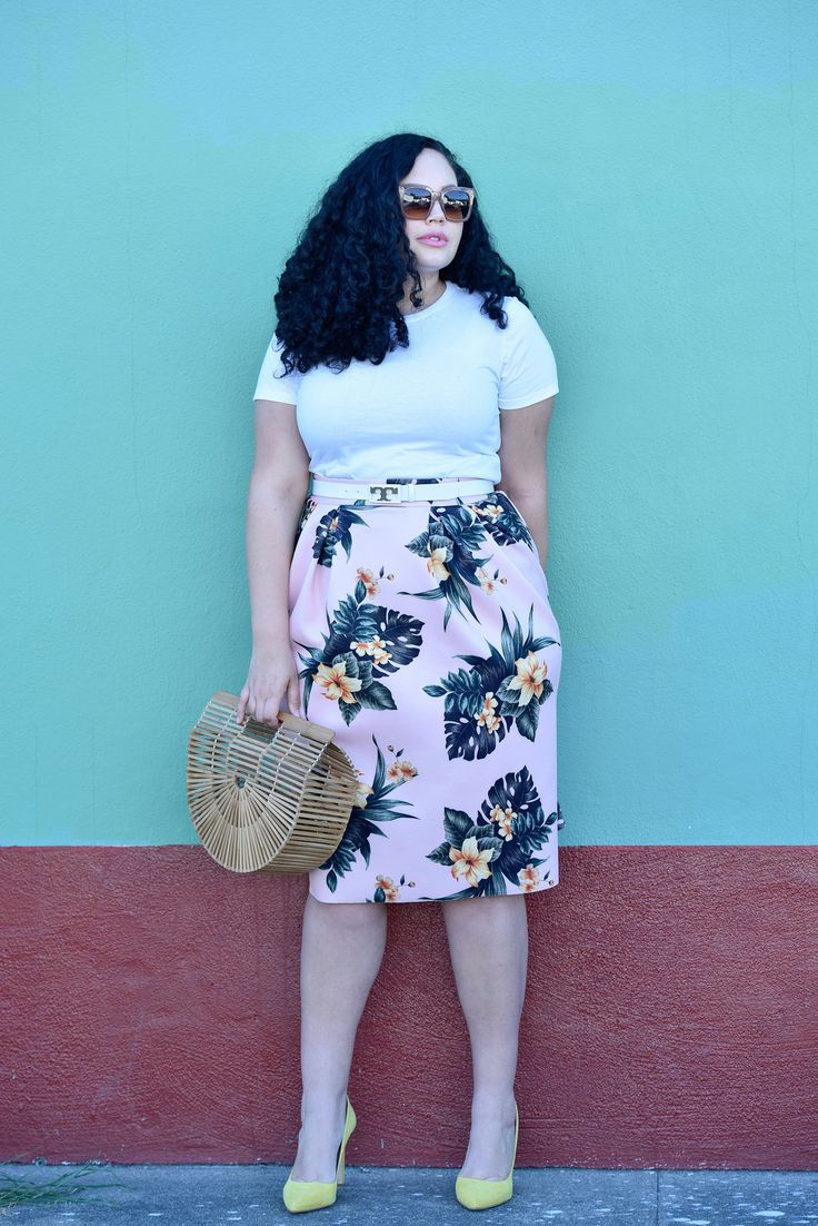 Tropical Print Plus Size Skirt via Girl With Curves >> https://girlwithcurves.com/post/132058615118/wear-tropical-print-arent-vacation