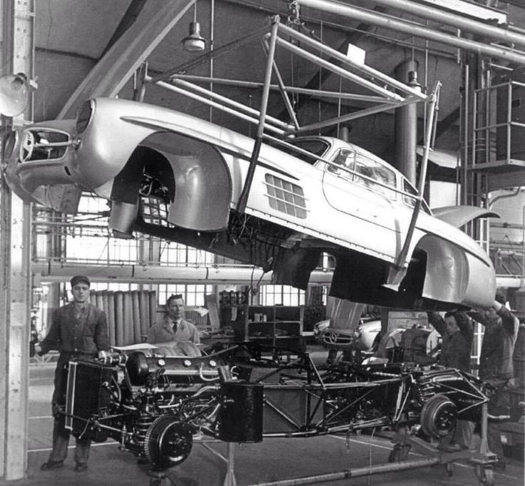 Mercedes-Benz 300SL Assembly line