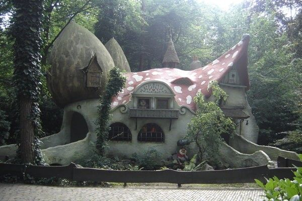 Un classico delle storie d'infanzia: la casa-fungo