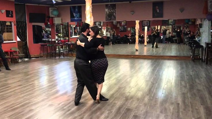 Tango class: Sanguchito or Sandwich with Variations
