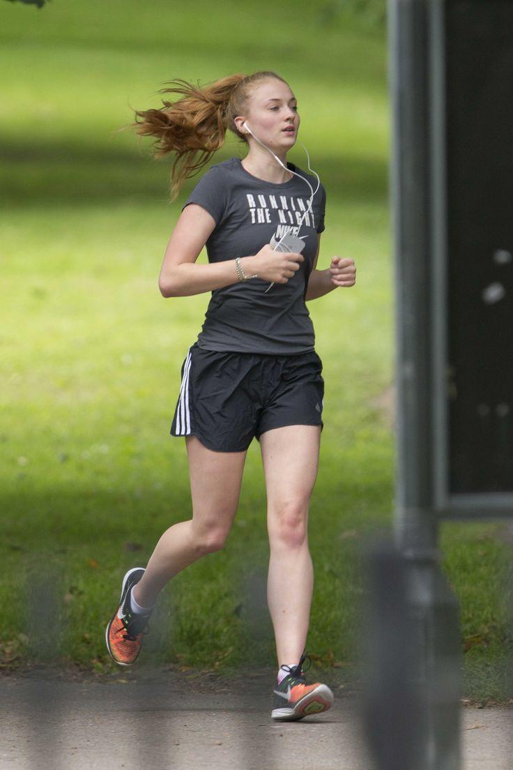 Sophie Turner jogging in London 7/5/16 | Sophie turner