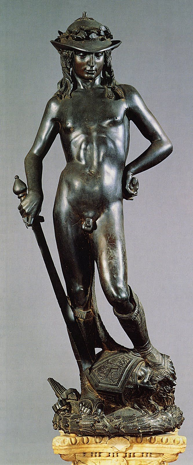 Donatello, 1430-1432, David, statue en bronze, 158 cm de hauteur, Musée National du Bargello, Florence
