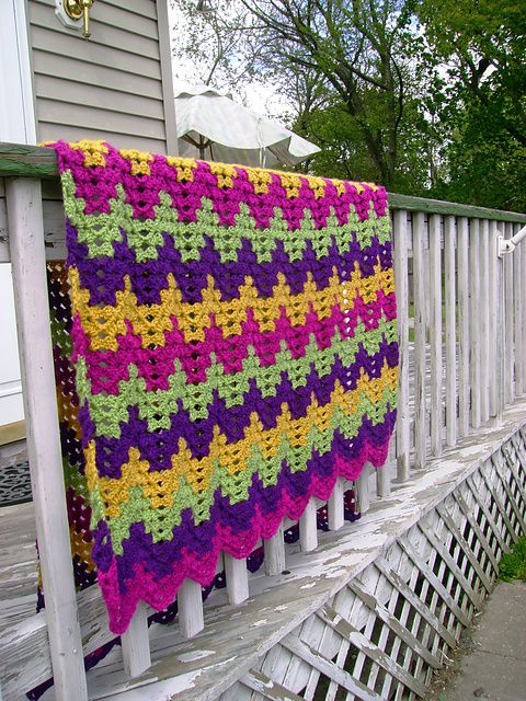 Granny ripple afghan pattern.  Originally found on Ravelry but the actual pattern is on a page for a pretty nifty crochet charity.
