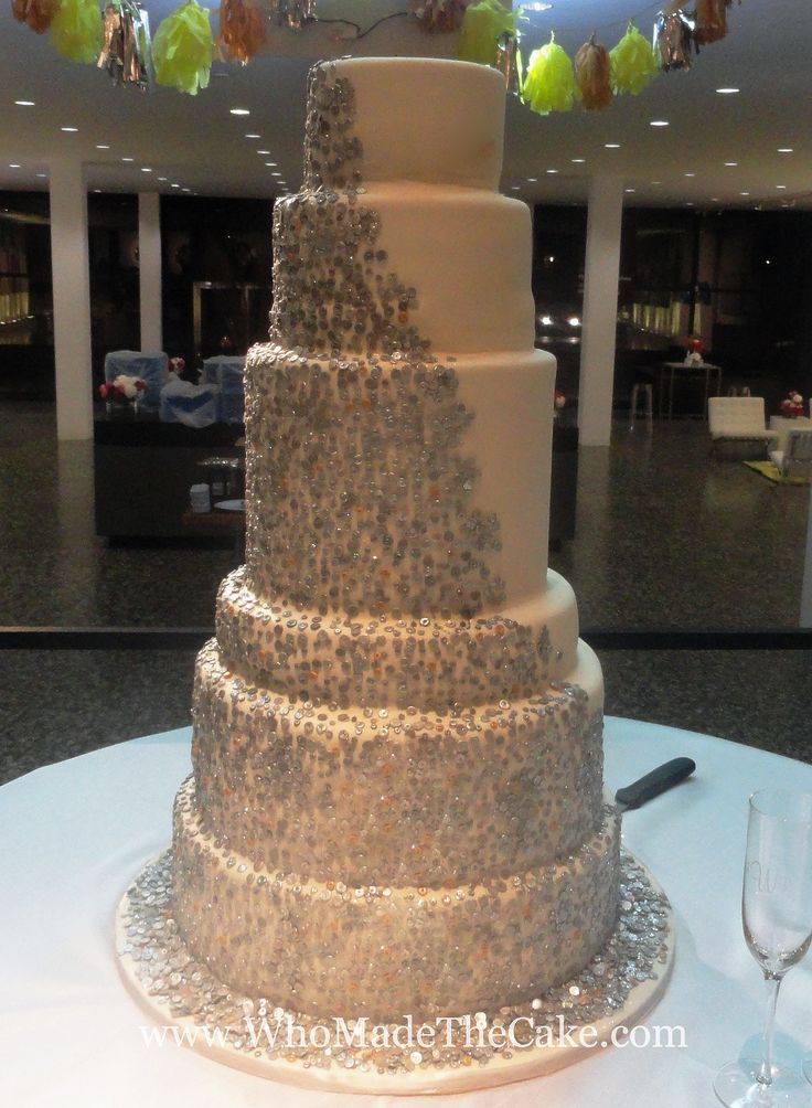 odd wedding cakes metallic gold amp silver edible sequins on a unique wedding 17971