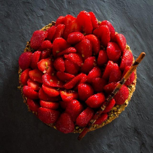 Ma tarte aux fraises gariguette/ pistaches!