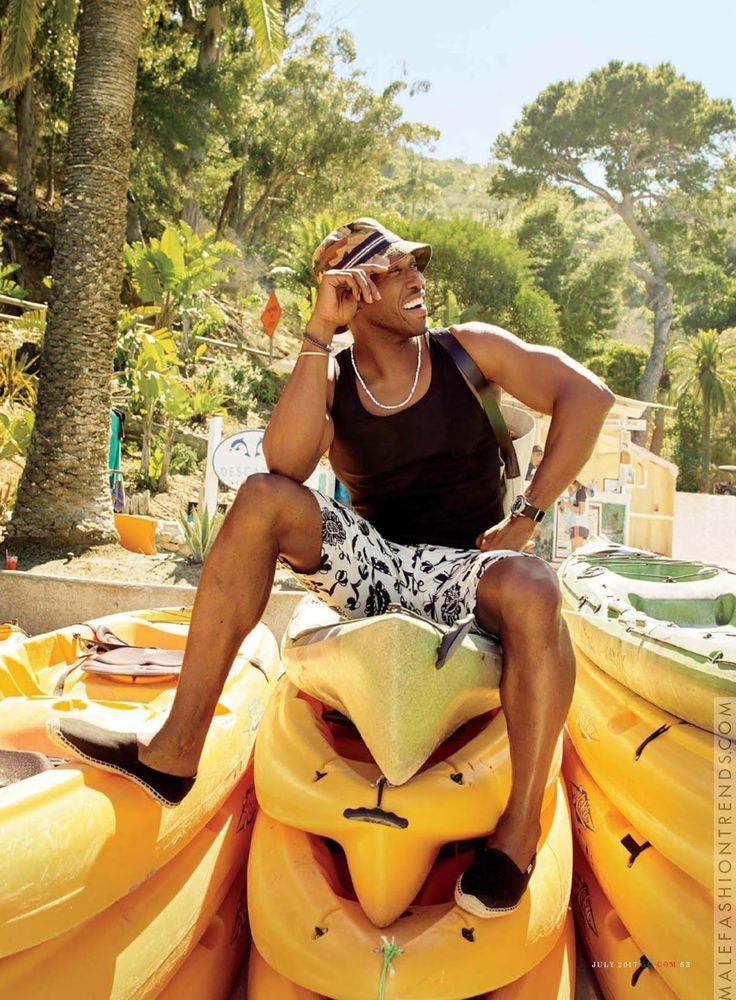 Mahershala Ali se escapa a la playa en el número de Julio de GQ USA