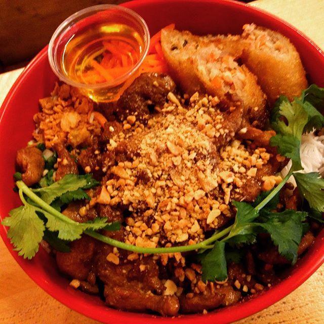 Les fameux bobun de Cô My Cantine sont désormais disponibles sur @toktoktok_paris ! #bobun #food #instafood #comycantine #vietnamien #toktoktok #love #asian #cool #delivery #livraison #bike #runner