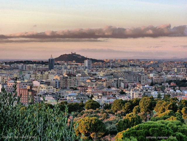 Cagliari crepuscolare by RoLiXiA, via Flickr