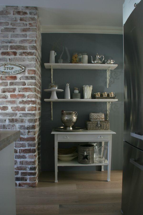 Duggblå (jotun/lady) on the kitchen walls