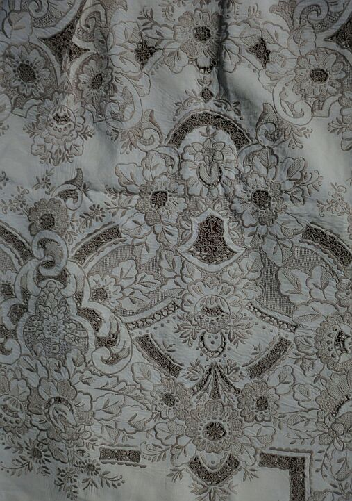 Gorgeous Vintage Large Madeira Embroidered Linen Tablecloth