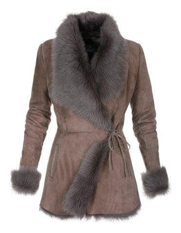 Lambskin jacket, Jeans, Gloves