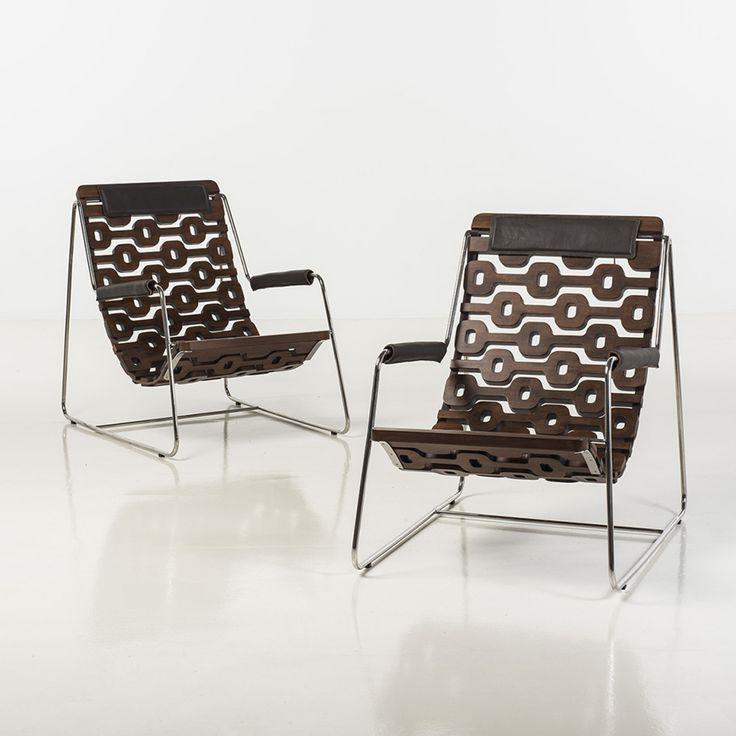 leonardo lattavo et pedro moog / paire de fauteuils à assises articulées à motifs ipanema bois de tauari, acier et cuir