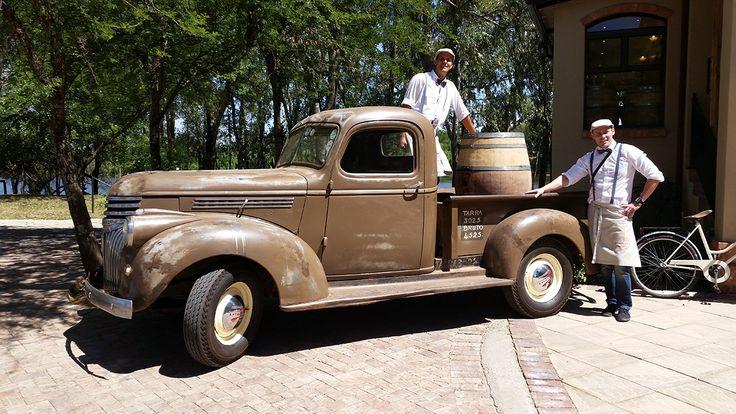 Wine delivery at Pont de Val