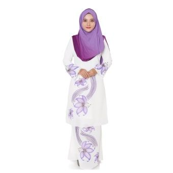 Rasa Sayang Hana Modern Kurung - Purple HanaI Modern Kurung is made in chiffon material with flora motifs. Highly recommend this collection for wedding occasion. A nice baju kurung to wear for bride  maids.  Fabric: Chiffon Colors: Blue, Green, Purple and Red Blouse Measurements: S... #bajukurung #bajukurungmoden