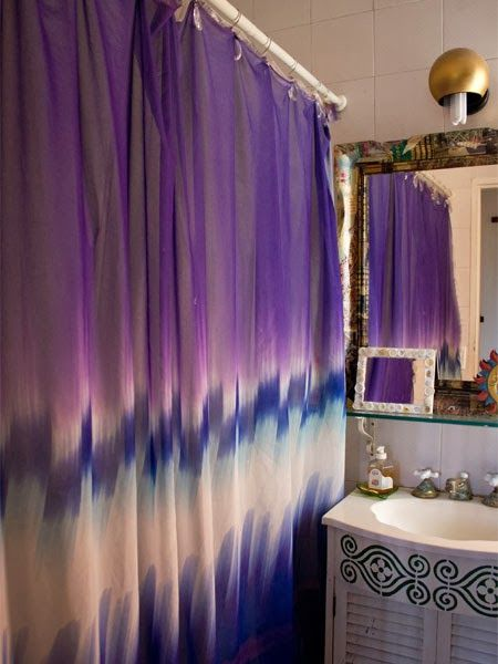 tie dye shower curtain [http://frommoontomoon.blogspot.co.uk/2014/01/a-beautiful-eclectic-home.html]