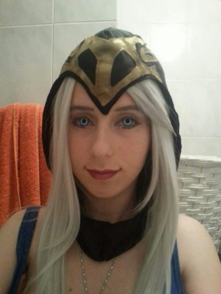 The make-up test I did for Ashe (right after, my contacts tore -_- )