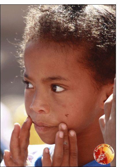 Carte Petite fille pour envoyer par La Poste, sur Merci-Facteur !