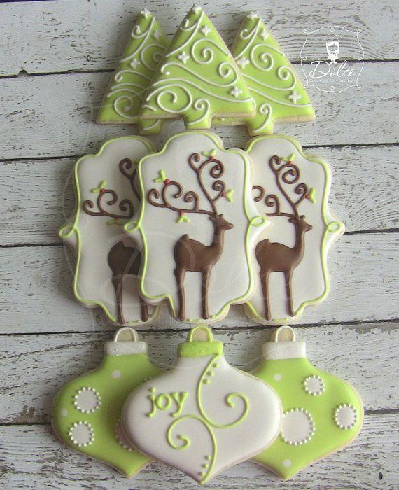One Dozen 12 Elegant Reindeer / Christmas Themed by DolceDesserts