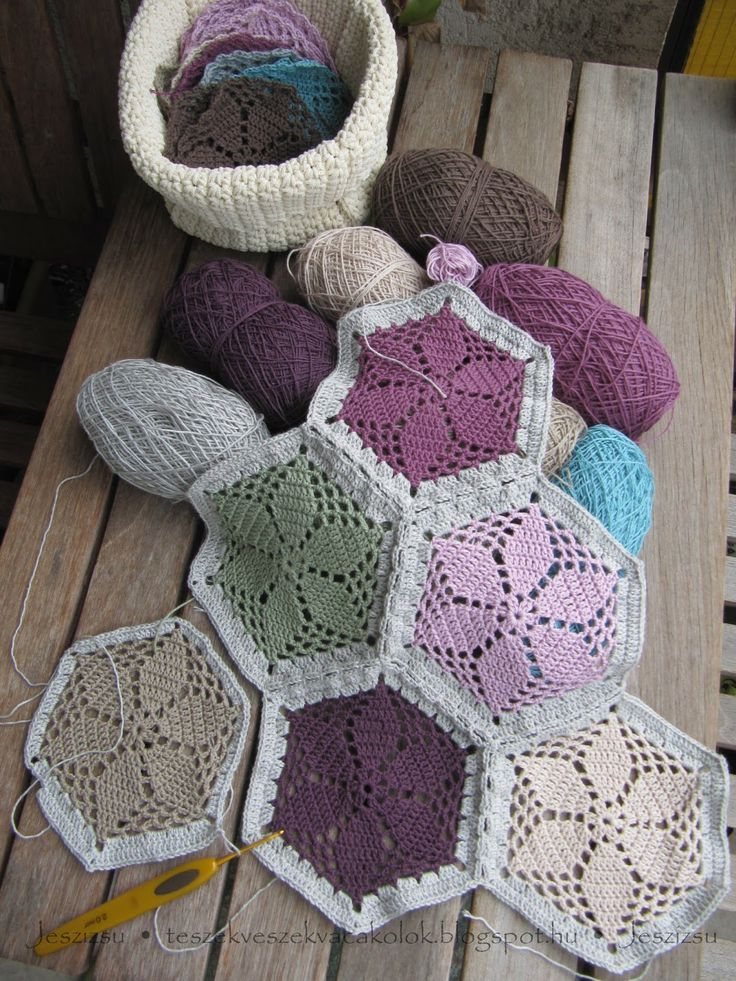 Granny's Garden Hexagons made by teszek veszek vacakolok. Free pattern by Cherie Durbin here http://www.ravelry.com/patterns/library/grannys-garden-hexagon-crochet-pattern