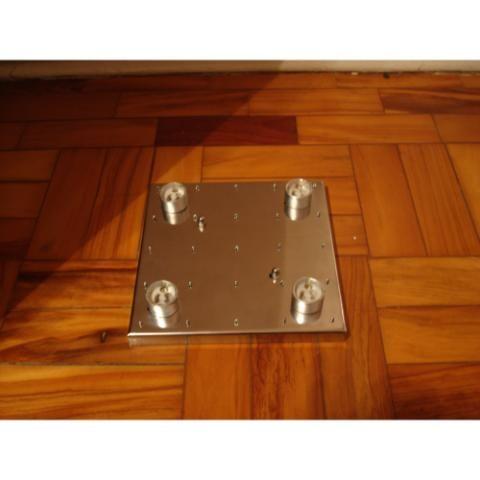 Base em Inox 18cmx18cm