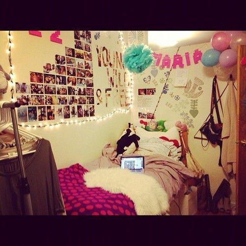 picture arrangement on the wall #dorm #college  [Dorm  ~ 184300_Crazy Dorm Room Ideas