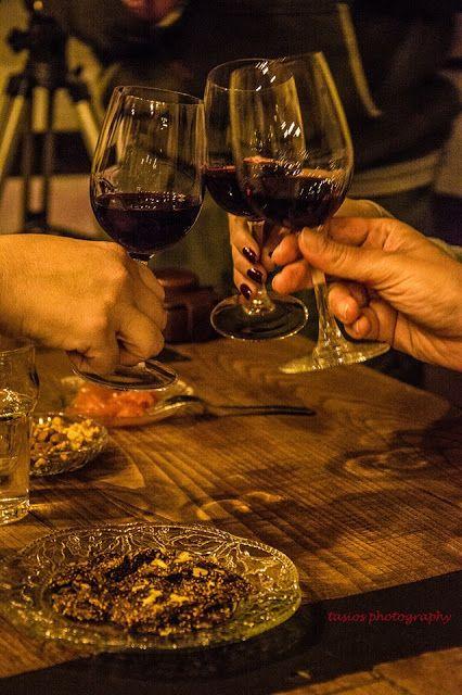 Σκέψεις: κόκκινο η λευκό  κρασί,