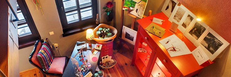 In our gallery-gift shop you can select your souvenirs and gifts from a variety of handcrafted jewellery, books and photo albums with artistic photographs, decorative items etc