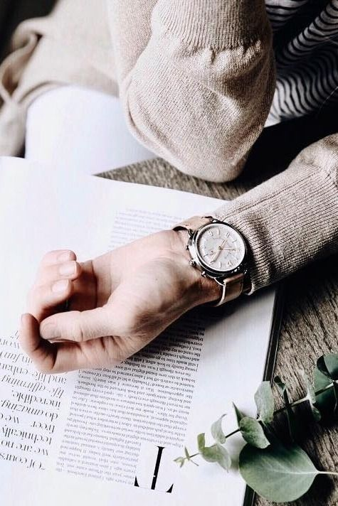 Catching up on Sunday reading while never missing a notification with our Q Accomplice hybrid smartwatch. via @happilygrey