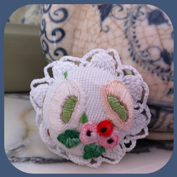 linen summer bloomsbrooch   (one of its kind)