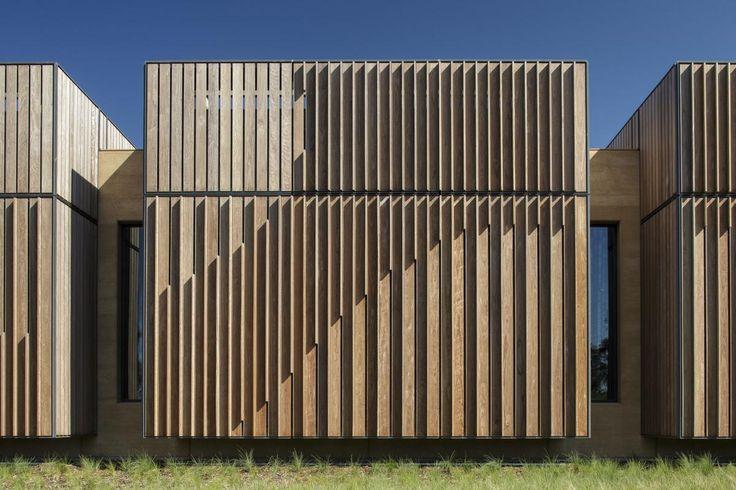 http://there.com.au/work/garangula_gallery_facade_graphic
