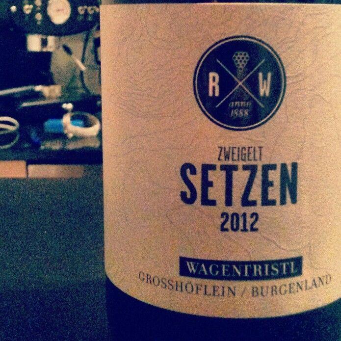 #setzen #zweigelt #wagentristl #burgenland #wein #rotwein #wine #redwine #austria #perfect ... and a #coffee #machine